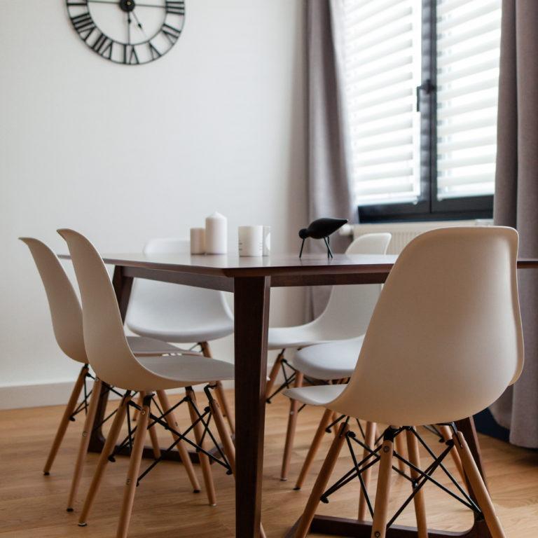 Le décor de Jules - Conseil en aménagement & décoration intérieure - Réalisation - Projet n° 3 - Salon salle à manger à la décoration vintage graphique masculin